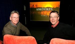 Lars Karlsson och Lennart Hyse har gjort en film om Asköviken. FOTO: KENNETH HUDD