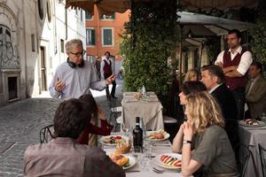 """""""Förälskad i Rom"""". Den snart 77-årige Woody Allens 45:e film. Här under inspelningen."""