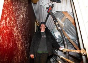 Klas-Erik Andersson den ödedigra kvällen den 4 februari, Fortfarande står han i vänteläge för att kunna återuppbygga det raserade.