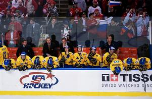 Sverige deppar efter semifinalförlusten mot Ryssland, och fick för första gången på fyra år åka hem till Sverige utan medalj. Bild: Joel Marklund/Bildbyrån.