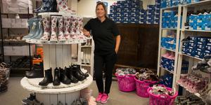 Butiksägaren Linda Allfjord har tidigare jobbat i en skobutik och gillade det väldigt mycket.
