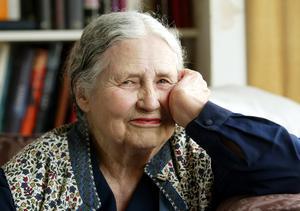Doris Lessing i sitt hem i norra London, 22 oktober skulle hon ha fyllt 100 år, hon dog 94 år gammal , 17 november 2013. Foto: Martin Cleaver/AP