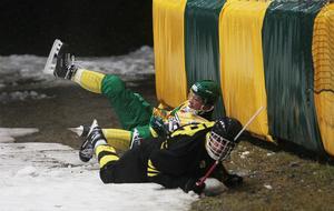 Bitvis var det högt tempo och tuffa tag i ExTe Cupens final mellan AIK och Vodnik.