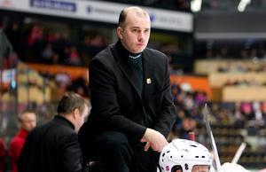 Stefan Nyman var både assisterande tränare och sportchef den säsongen. Här under en match i november 2008. Foto: Bildbyrån