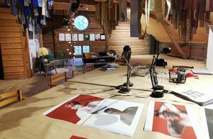 Under utställningstiden kommer övervåningen på Kvarnen att vara förvandlad till en redaktion för unga som vill skapa egna affischer med budskap. Foto: Mohamad Ali