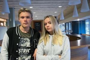 Albin Eriksson och Jennie Lindberg vill se att deras kafé öppnar, snarast.