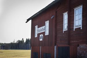 Makarna Perssons ville att deras tillgångar skulle tillfalla barn i fd Arbrå kommun som hade det svårt, skriver insändaren.