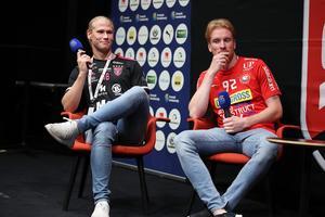 Faluns Casper Backby och Storvretas Alexander Rudd på scenen under SSL:s upptaktsträff. Foto: Per Wiklund/Svensk innebandy