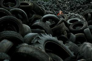 På däckåtervinningen fanns bilden. Foto: Lasse Halvarsson