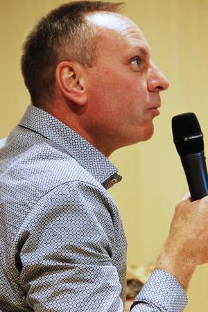 Tomas Persson, tidigare Skästrasågen och Färilasågen, undrade varför det är så bråttom med beslutet.
