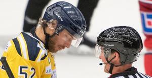 Liljewall var nedstämd och irriterad efter förlusten mot Modo. Foto: Jon Häggqvist.