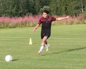 Ahmad Jafari fokuserar inför ett avslut på träningen i Gärdås.