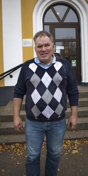 Anders Åkerström ser positivt på att kommunen avtal nu ska utvärderas av en utomstående mediebyrå.