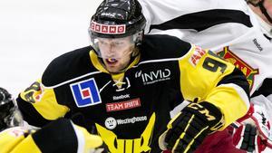 Viktor Mårtensson på karaktärististk vis under tiden i Gulsvart.