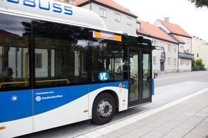 Räcker Svealandstrafikens åtgärder för att skydda chaufförer från covid-19?, undrar skribenten.