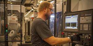 Industrijobben blir allt mer högteknologiska.