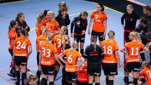 I fredags gick Rönnby Tigers ut med att Karin Nygren, Emma Hellberg, Kajsa Andgrim, Isabella Halling och Angelika Nordfeldt lägger av.