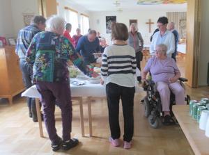 God mat på borden väntade medlemmarna i PRO Ytterhogdal. Foto:  Catharina Ek