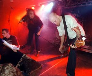 Entombed spelade på Bolanche 1998.