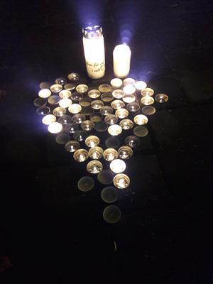 67 ljus tändes under ljusmanifestationen på Stora Torget i Falun.