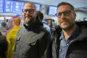 """Andreas Thunmarker och Daniel Olsson var två av få killar i arenan den här kvällen. """"Det borde vara tvärtom. De som borde vara här är inte det"""", konstaterade de."""