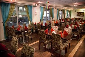Het mat. På Västerås indiska restaurang finns det mycket att välja på. Allt från orientaliska sallader till riktigt het Vindalogryta.