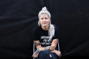 Emma Knyckare har skrivit en bok om Statement Festival som hon grundade, en musikfestival där endast kvinnor, transpersoner och icke-binära är välkomna. Arkivbild: Frida Winter/TT