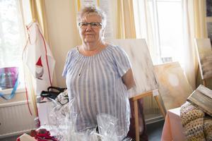 – Jag är här med min marmelad, och väskor och annat jag tillverkat, säger Britt Lusth, som åkt från Sandviken för att vara med i festivalens hantverksmarknad.