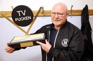 Rolf Rickmo, en stolt ordförande i ishockeyförbund som även var med och drog igång Outokumpu Cup för flickor 2009.