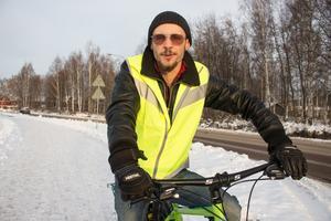 Jobbet som egen företagare är aldrig ensamt, tycker Lauris Tumena.