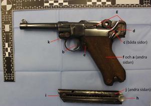 Med den här pistolen mördades offret på Von Rosens väg den 16 juli 2018. Tekniska analyser visade att den 22-årige Gävlebons dna fanns på vapnet. Analyserna har även visat att den har använts vid minst fyra tidigare mordförsök.