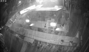 En bild inifrån butiken efter det att inbrottstjuvarna hade rammat väggen med traktor. Bild: Naturkompaniet
