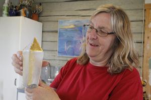 Det är Unna Katz som formger de priser som delas ut vid den årliga Guldstänksgalan i Västerås.