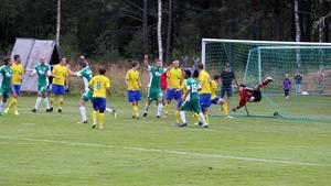 Östavalls Olle Nordberg nickade in matchens enda mål på Solberga.