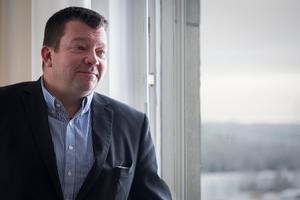 När Magnus Ström var liten såg han ABB från sitt pojkrumsfönster på Lostigen i Ludvika. Nu är han platschef för företaget.Foto: Kim Norman