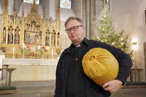 Mats Hermansson, domprost i Visby, är initiativtagare till en veckolång bön- och fasteaktion för utvisningshotade unga afghaner. Foto: Mattias Wahlgren