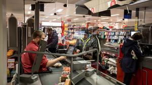 INSÄNDARE: Varför saknas coronaskydd fortfarande på många affärer i Kramfors?