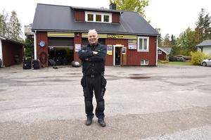 Bosse Edin har drivit sin däckfirma Sörfors Bilgummi i 44 år.