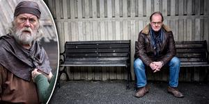 Skådespelaren Peter Haber porträtteras av Södertäljejournalisten David Nilsson Hamne.