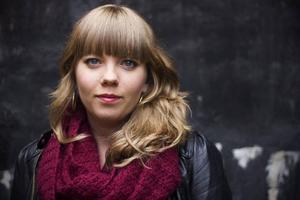 Jenny Wrangborg, poet och kallskänka, kommer med sin andra diktsamling i februari. Det är ingen slump att boken ges ut just under valåret. Foto: Karin Grip/SvD/TT