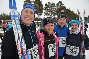 Heja Ludvika! Fyra skidsugna kollegor från Ludvika inför starten på Postskidan. Fr.v. P-A Jansson, Maria Wählbacken, Jan Bergman och Marie Andersson.