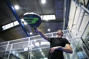 Förre Bragestjärnan Johan Eklund byter fotboll mot padel och öppnar länets första hall i Falun.