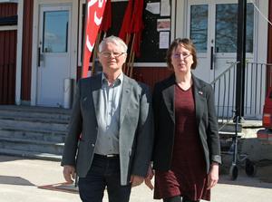 Socialdemokraterna återfår ett beprövat kort när Gottfrid Jonsson tar ordförandeskapet i Arbetarkommunen. Gunilla Zetterström-Bäcke är mycket glad över att ha Gottfrid tillbaka.