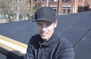 Emil Ullmark, 25, snickare, Sundsvall: