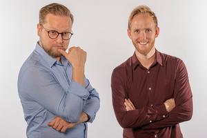 Duon Mathias Wiik och Jonas Örhn utmanar humorns gränser i föreställningen