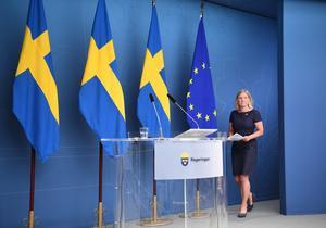 De investeringar som finansminister Magdalena Andersson (S) efterlyser kommer med lägre statliga utgifter. Foto: Fredrik Sandberg / TT.
