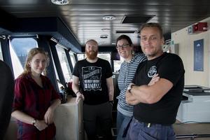 Rachael Avery, Björn Morén, Sarah Greenwood och Thomas Strömsnäs ombord på R/V Electra.