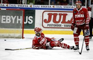 Timrå IK:s Mikko Lehtonen tappade i skenan i kvartsfinalen mot HV71 i mars 2009. Ett minne som Robin Jonsson och många andra aldrig glömmer.