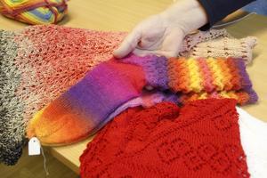 Ungdomarna köper hellre färdiga tröjor nu, det är inte alltid farmors strumpor godkänns enligt gruppen.