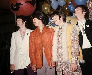 """George Harrison, här tvåa från vänster, en av """"The Fab Four"""". Tillsammans med Paul McCartney, John Lennon och Ringo Starr låg de bakom 1900-talets största fenomen, både rent musikaliskt och kulturellt. Beatles startade popvågen. Foto: TT/AP."""